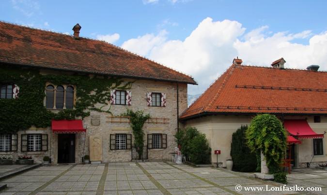 Patio superior del castillo de Bled