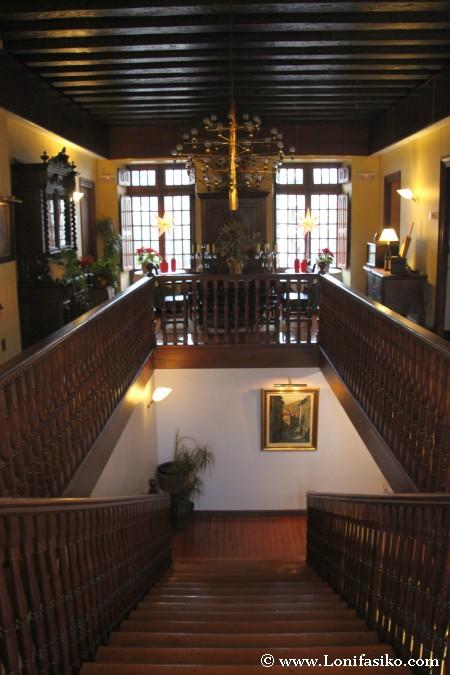 Piso superior del palacio, acceso a servicios