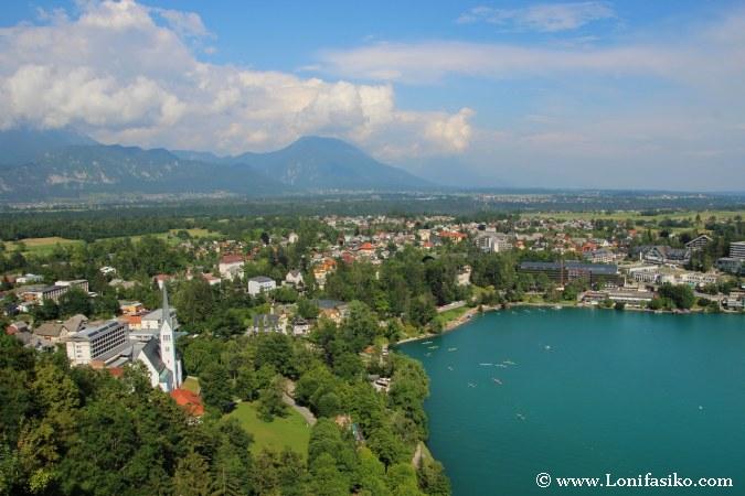 Vistas panorámicas sobre la ciudad de Bled