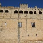 Imponente fachada del castillo de Valderrobles