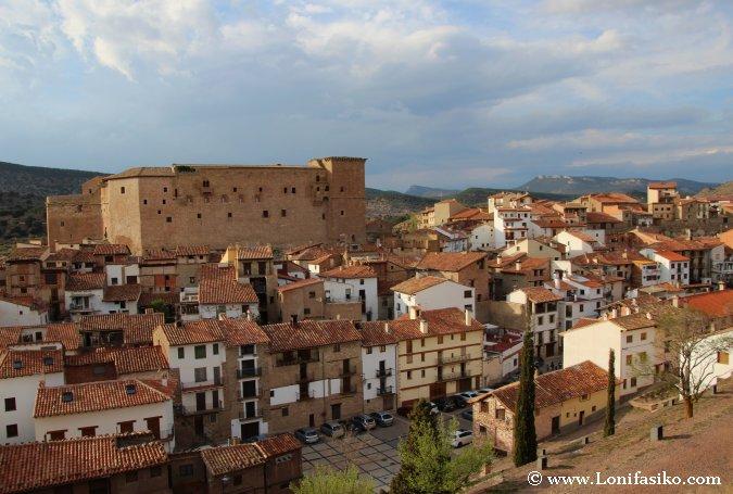 Caserío y castillo de Mora de Rubielos