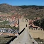 Caminar por las murallas de Albarracín