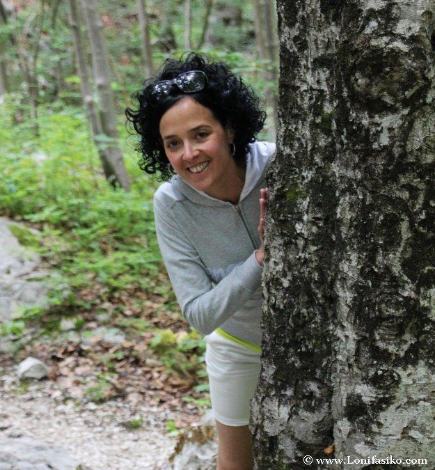 Bosque de ascenso a la cascada de Savica