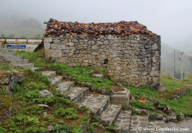 Casa de piedra o cabaña en Sotres