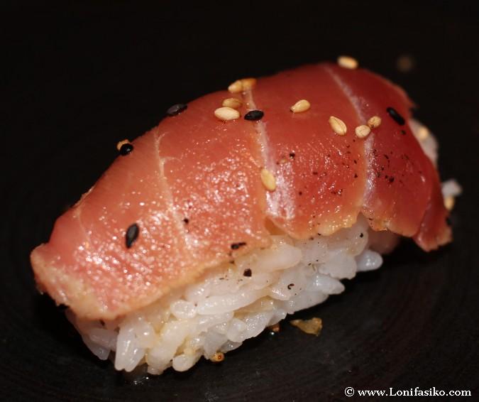 Nigiri de tataki de atún