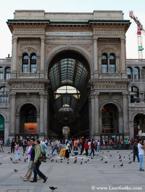 Entrada Galeria Vittorio Emanuele II en Milán