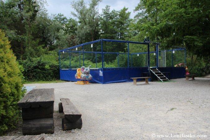 Juegos para niños en el zoo de Liubliana