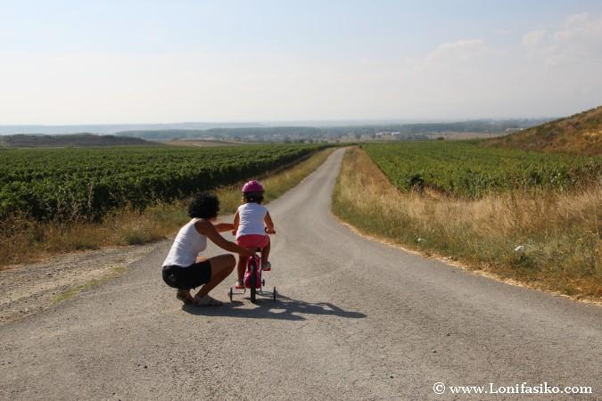 Aprender a andar en bicicleta con niños