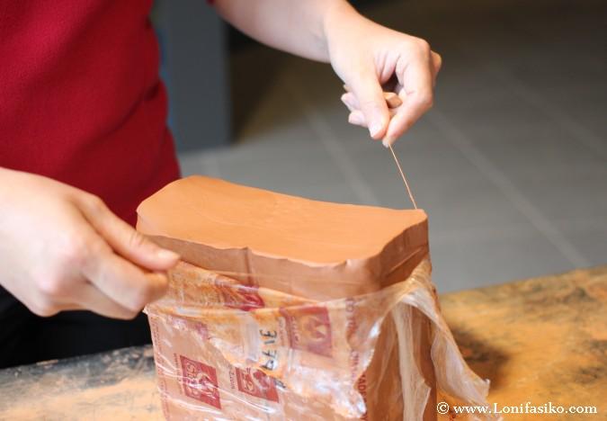 Cómo cortar arcilla