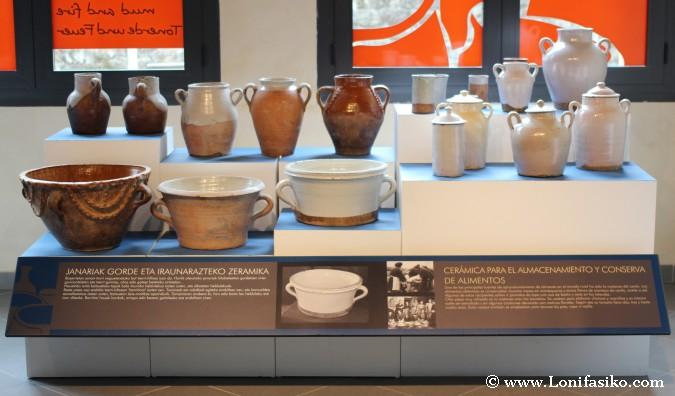 Exposición de piezas de cerámica