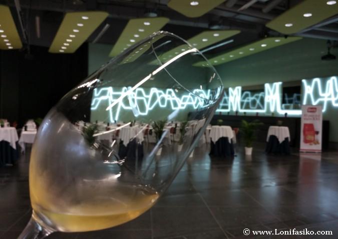 Cómo catar vinos blancos