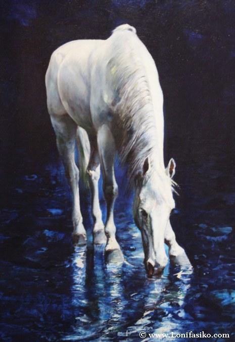Caballos blancos sobre fondo azul