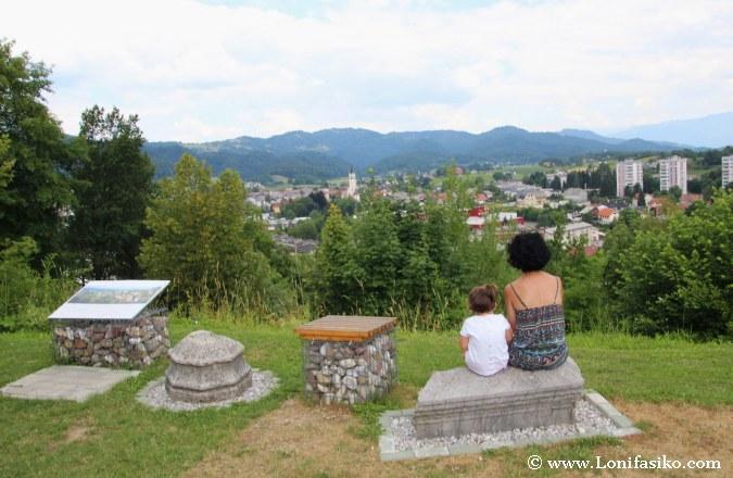 Škofja Loka ciudad desde el castillo