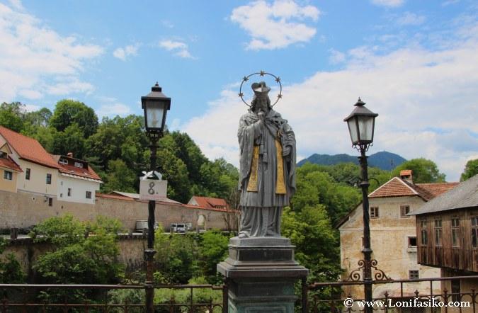 Nepomuk Santo de los Puentes en Škofja Loka