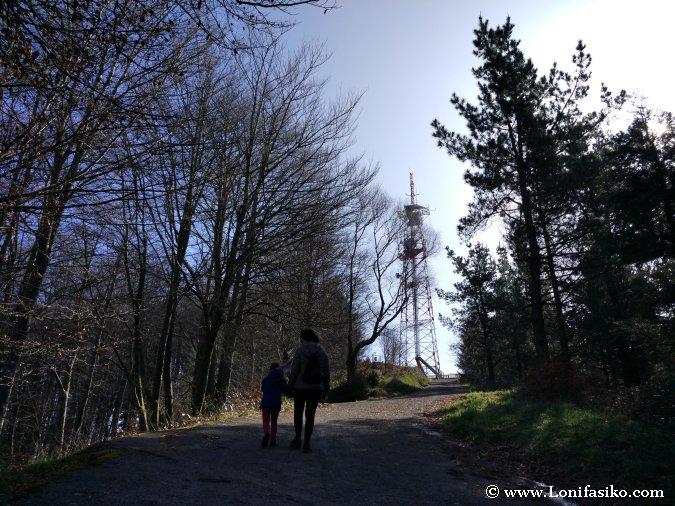 Senderismo planes en familia Euskadi montaña