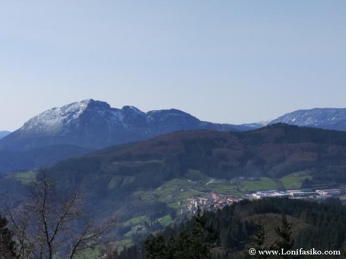 Montañas calizas Euskadi: Udalaitz
