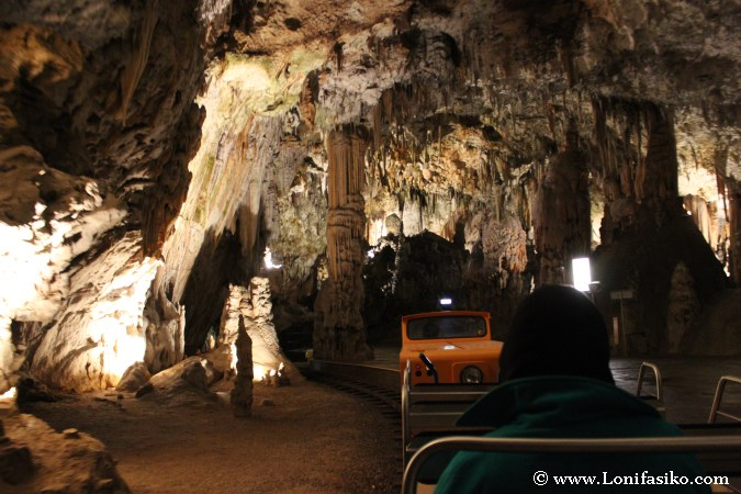 Cueva Postojna Fotografías Tren