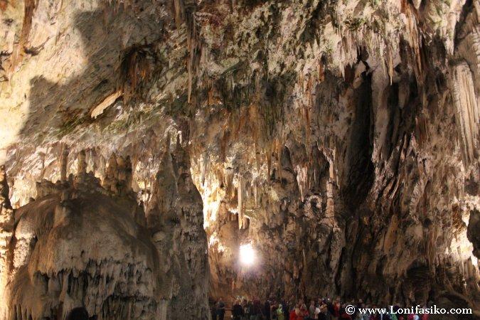 Qué ver en Eslovenia Cueva Postojna