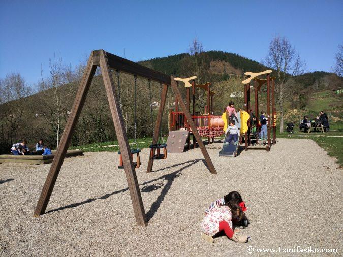 Elgeta Parque Infantil Juegos Niños