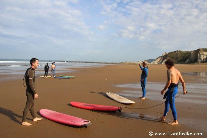 Iniciación al surf en Sopelana Euskadi