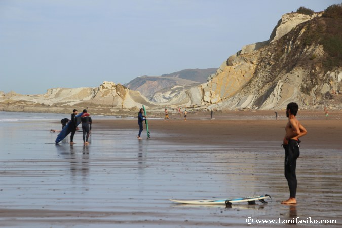 Respeto a los surfers locales