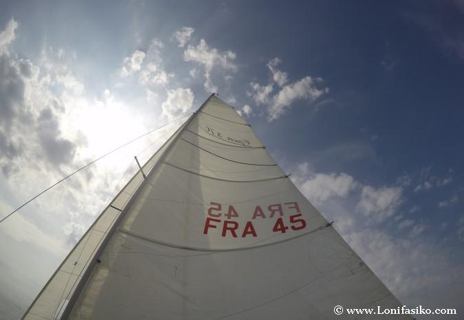 Vela mayor navegación en velero