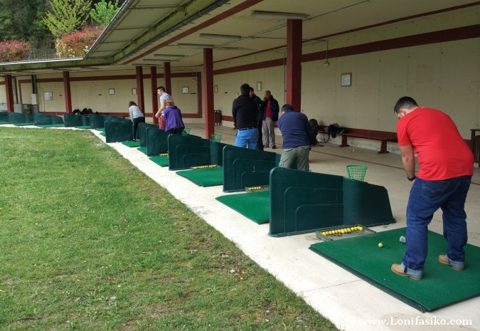 Curso aprender jugar al golf Bizkaia