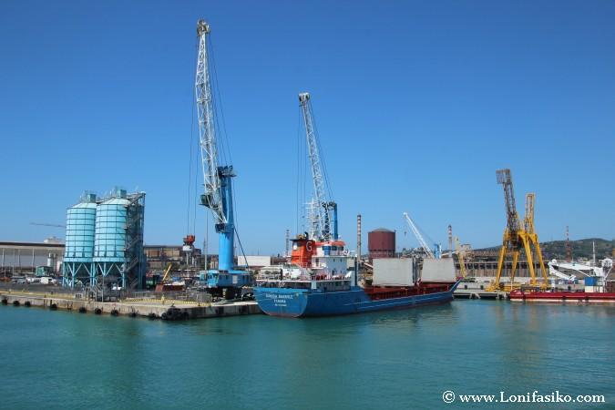 Piombino ferry puerto fotos