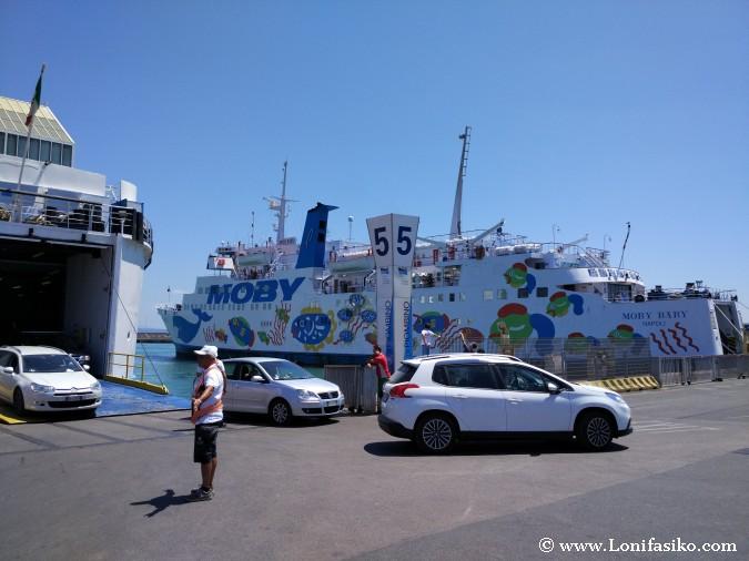 Cómo cruzar isla Elba ferry coche