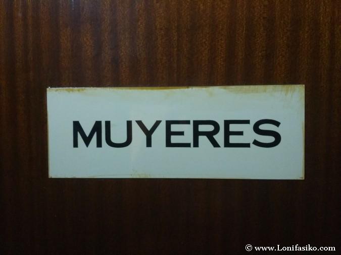 Mujeres en asturiano fotos baños