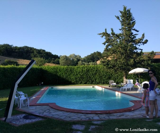 Toscana con niños alojamiento con piscina Volterra