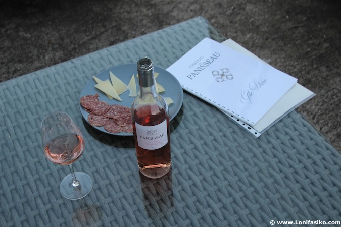 Chateau Panisseau rosé wine photos