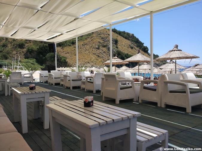 llaman beach club mumbas albania riviera albanesa fotos