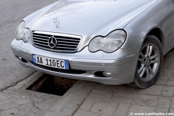Albania conducir coche