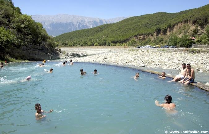 aguas termas albania permet