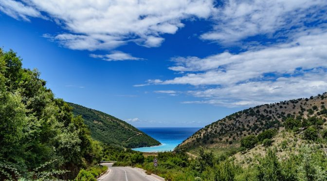 Viajar a Albania: cómo llegar y consejos de transporte