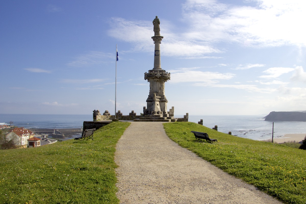 Estatua Marqués de Comillas en Cantabria