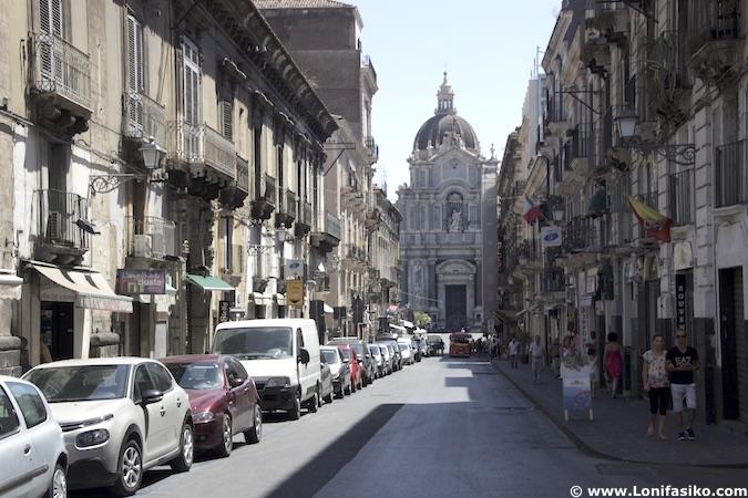 calles catania sicilia fotos