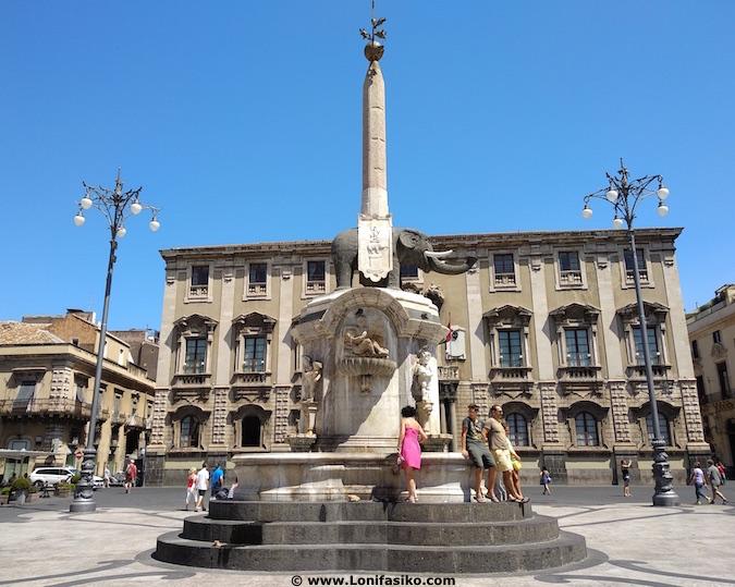 fontana elefante catania sicilia