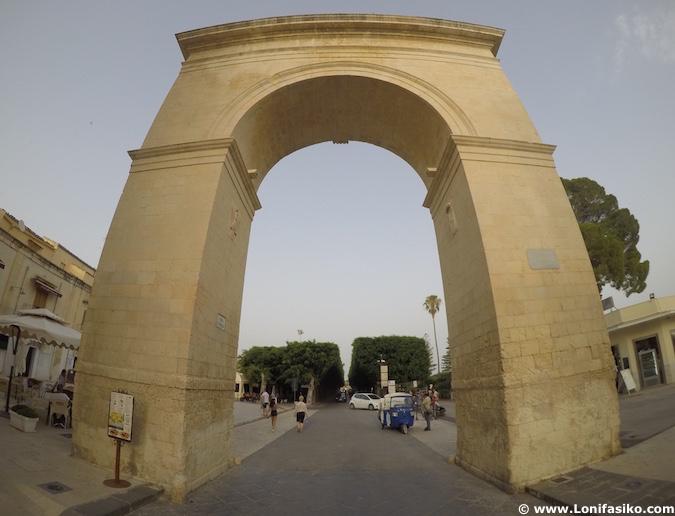 porta reale noto arco del triunfo