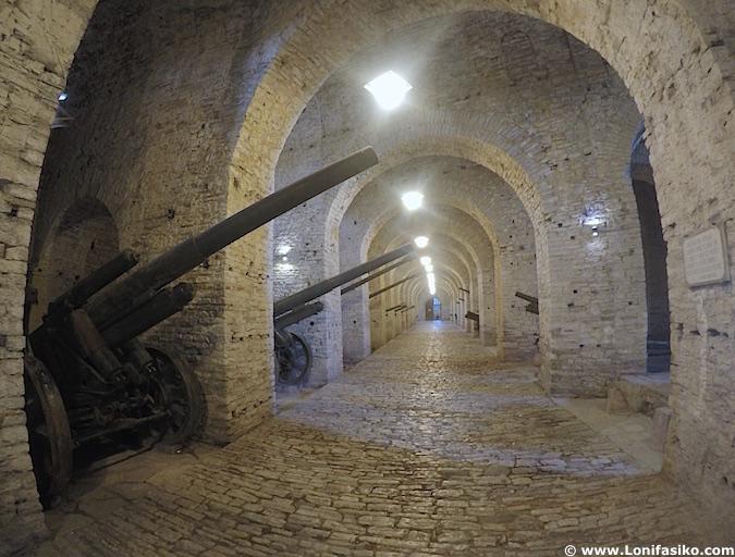 museo guerra castillo Gjirokastër albania