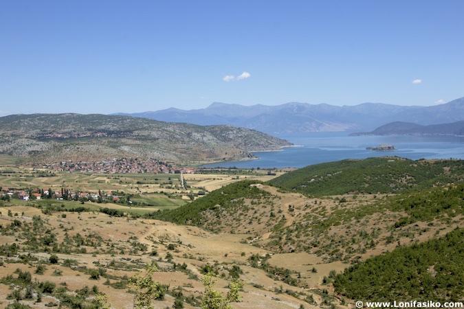 lago prespa en albania