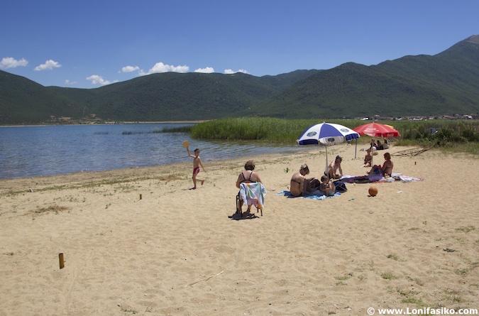 Playas lago Prespa Albania