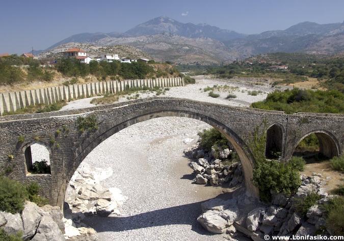 Puente otomano Mes Shkodër albania