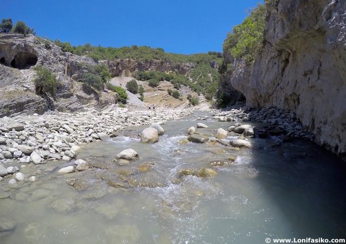 Cañón de Langarica en Albania