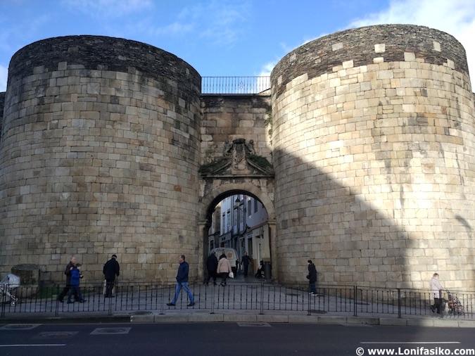 Puerta muralla romana Lugo