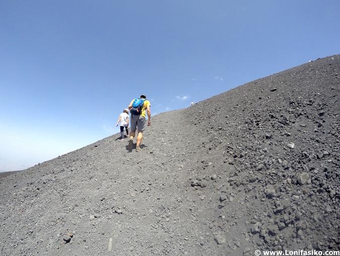 Subir al cráter del Etna en Sicilia