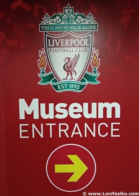 Entrada al museo del Liverpool en Anfield