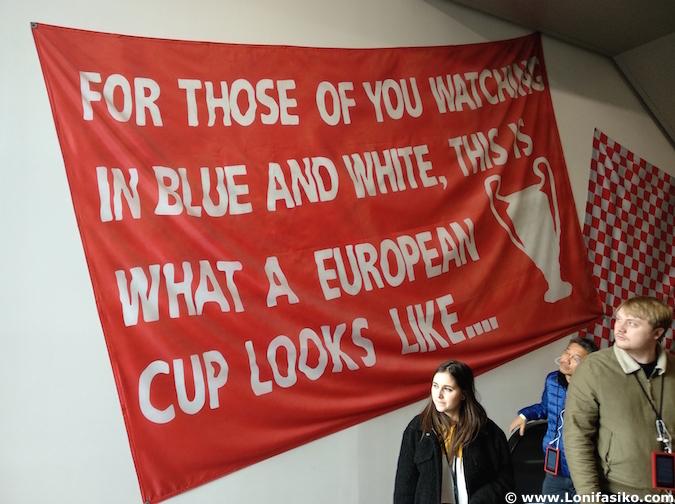 pancartas anfield aficionados liverpool