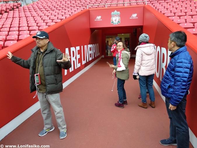 Túnel salida Anfield Liverpool